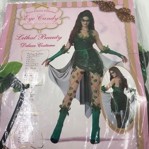 Poison ivy lethal beauty  Halloween costume